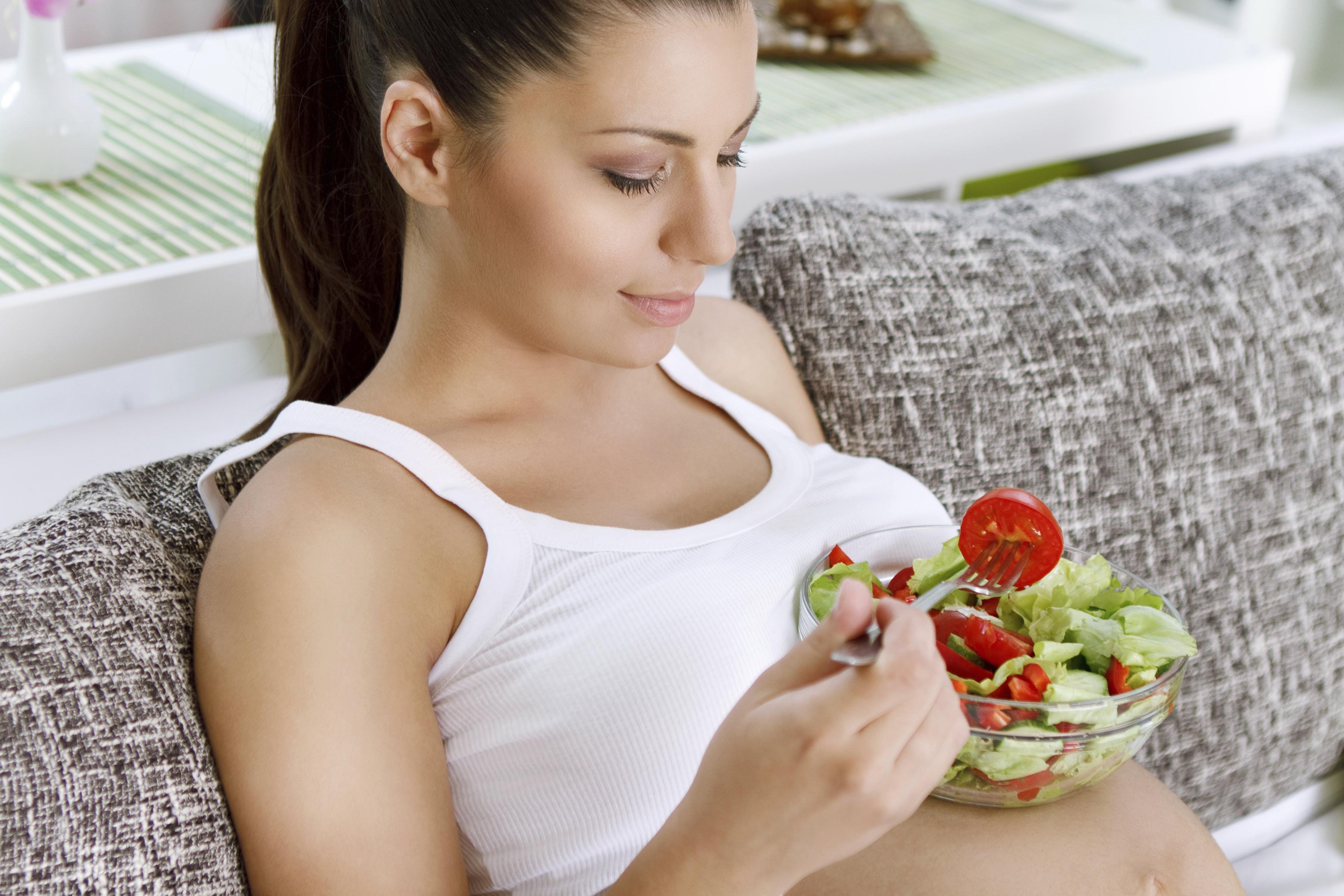 Comer por 2, traz risco à gravidez?