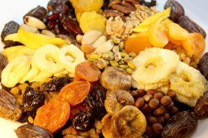 Conheça os benefícios de consumir frutas desidratadas!