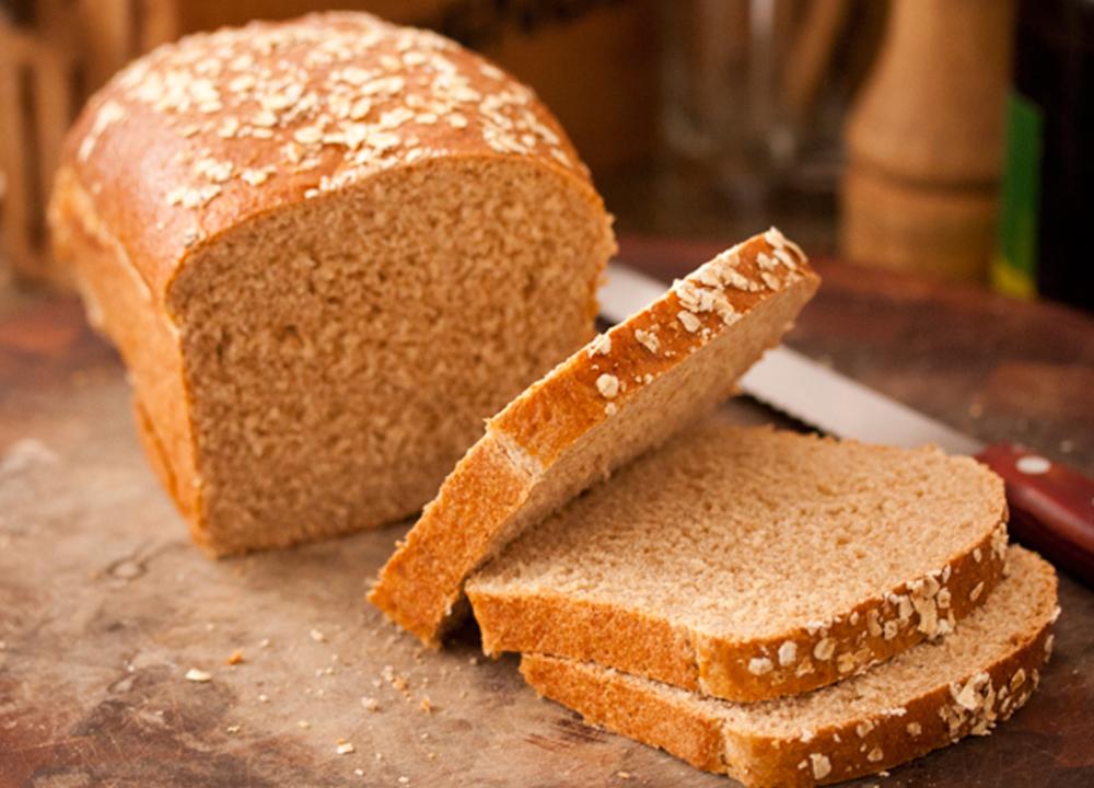 Pão rápido de aveia em flocos
